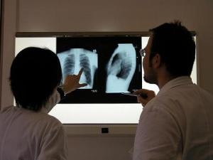 Doctors examining an x-ray